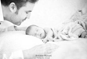 No puedo dejar de mirarte – Sesión lifestyle recién nacido